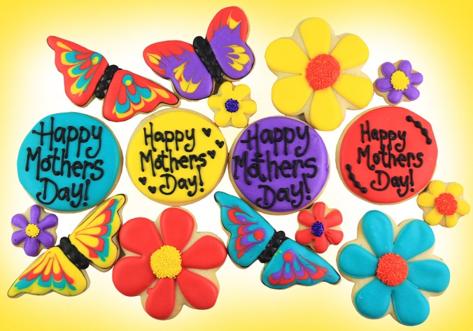 Did you know that Mother's Day is next month?  Who needs superheros when you have Mom! Don[t forget Mom on May 10, 2015! Click on the picture to order these custom Mother's Day cookies, or send an email to concierge@sugarvancouver.com